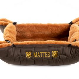 Mattes Jezzy Sheepskin Dog Bed